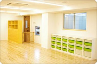 1~2歳保育スペースはとても安らぐ空間となっています